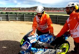 Comisario actuando en Moto3
