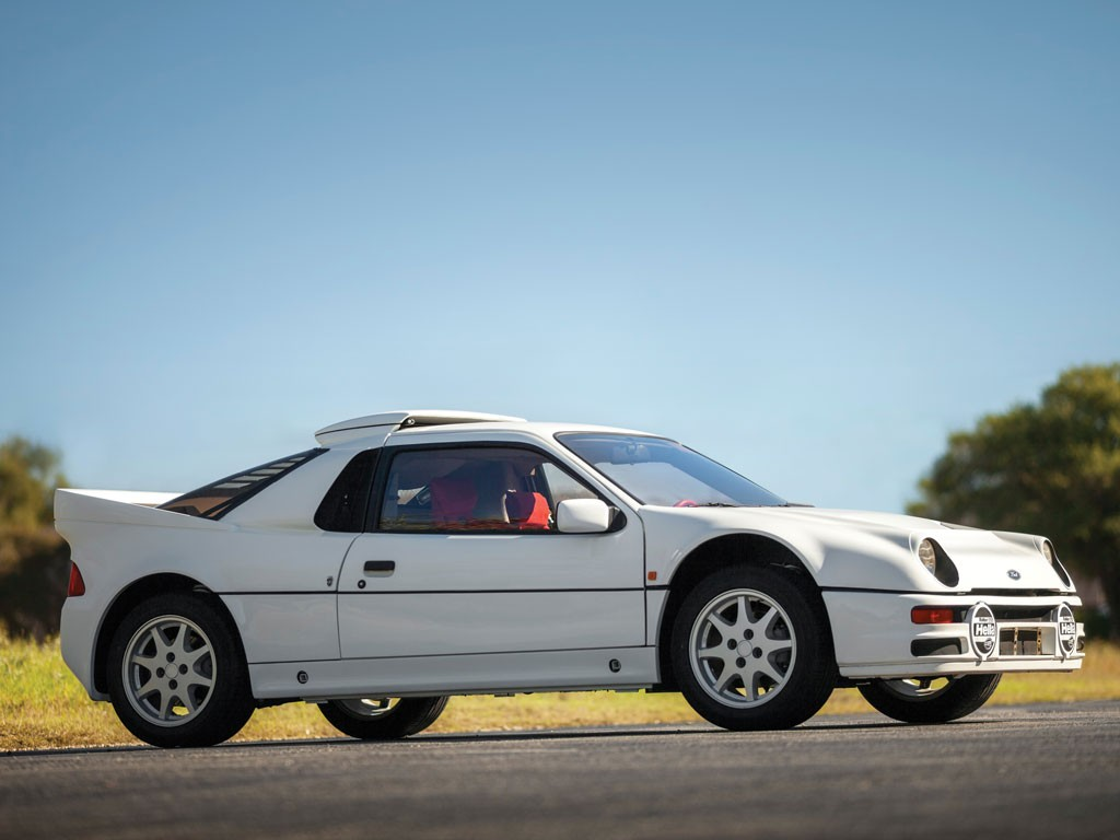 Vista Lateral-Frontal Ford RS 200